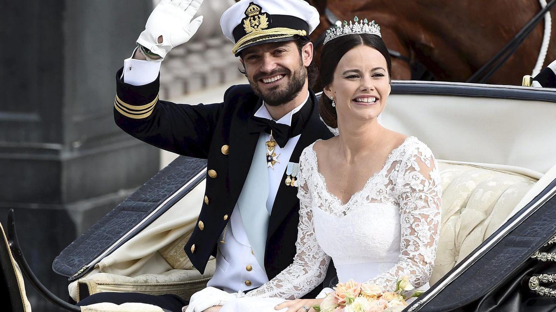 Carlos Felipe y Sofía de Suecia, el día de su boda. (Reuters)