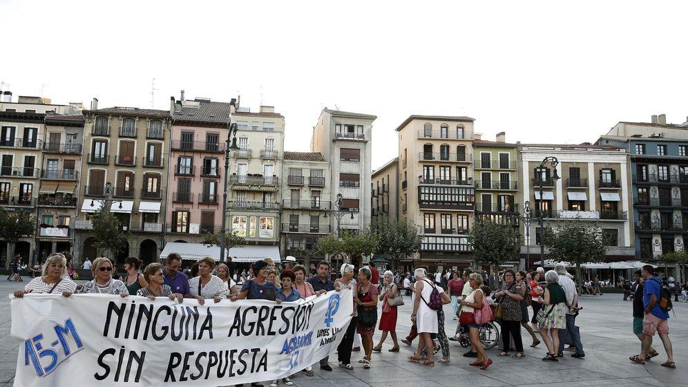 Foto: Concentración contra la violencia de género en septiembre, en Pamplona. (EFE)