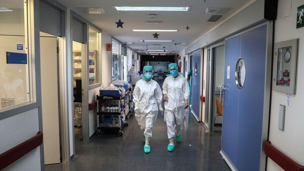 Foto: UCI en el hospital de La Paz (Reuters)