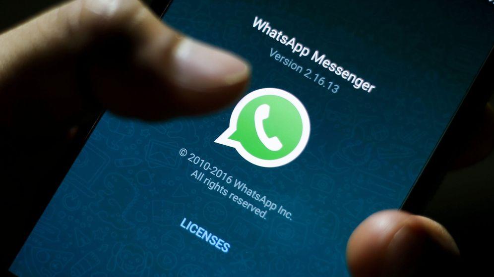 Foto: Miles de norteamericanos se han despertado con extraños mensajes de texto en sus teléfonos móviles (EFE/Ritchie B. Tongo)