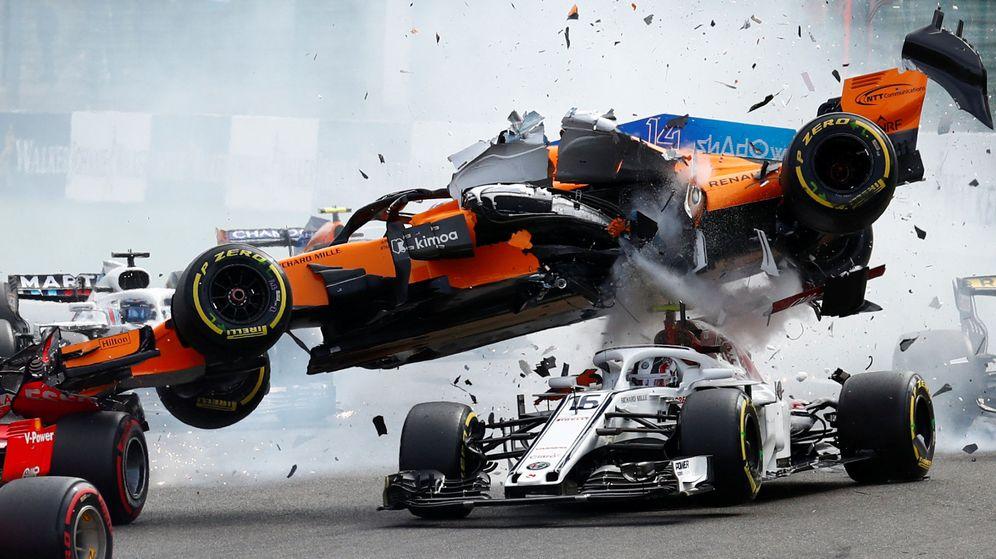 Foto: Fernando Alonso sufrió un aparatoso accidente en Spa. (Reuters)