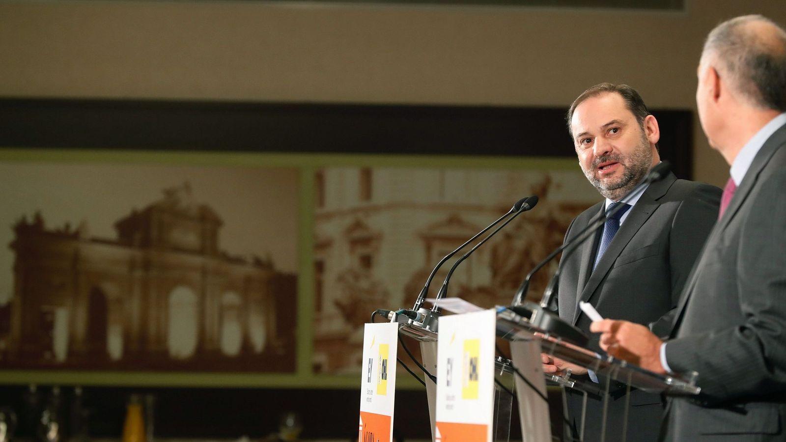 Foto: José Luis Ábalos, este 11 de diciembre durante su intervención en El Ágora del diario 'El Economista'. (EFE)