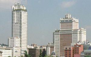 Botella supedita la venta del Edificio España a transformar el centro