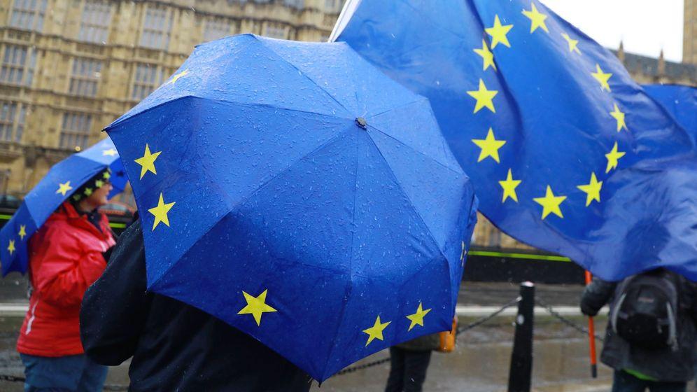 Foto: Manifestación contraria al Brexit en Westminster. (EFE)