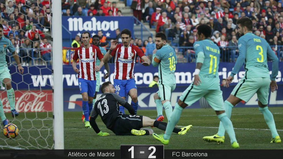 El Barcelona se agarra a la Liga de rebote gracias a Messi y deja herido al Atlético