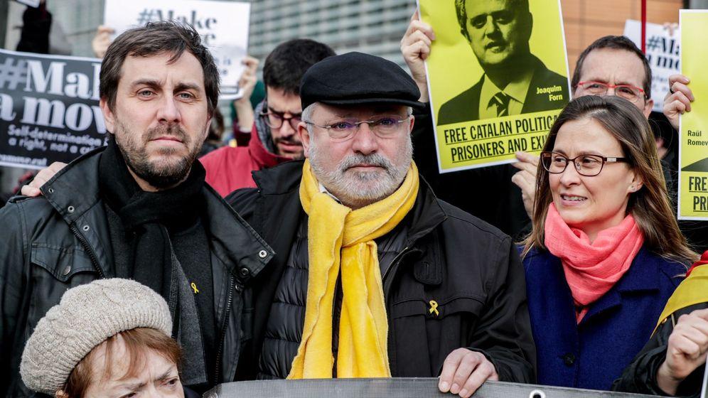 Foto: Los 'exconsellers' catalanes, Antoni Comín y Lluis Puig. (EFE)