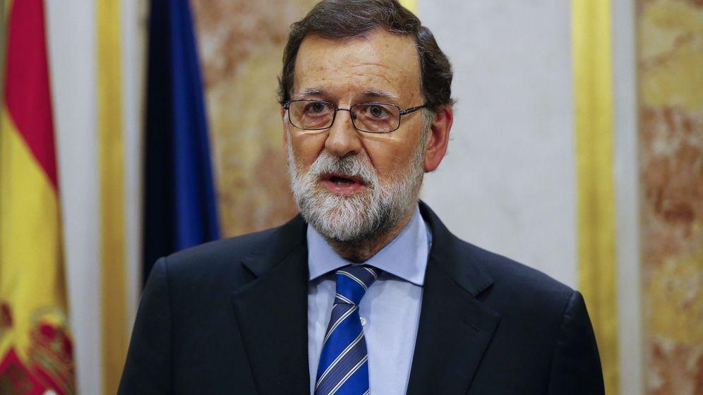Foto: El presidente del Gobierno, Mariano Rajoy, durante la rueda de prensa ofrecida tras la aprobación de los Presupuestos Generales del Estado para 2018. (EFE)