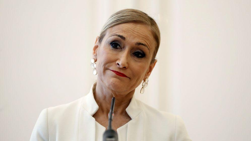 Foto: Cristina Cifuentes, al anunciar su dimisión. (EFE)