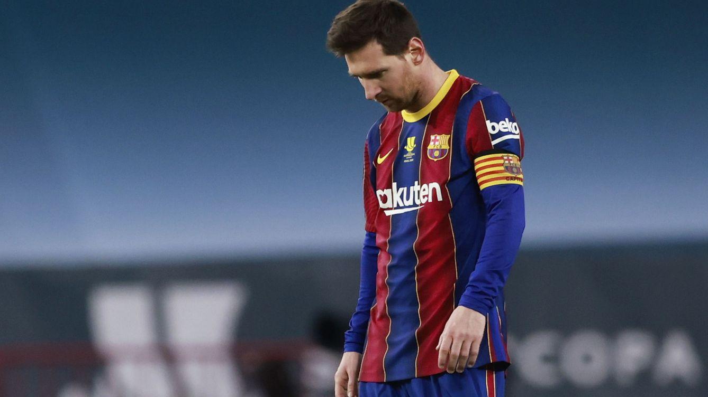Foto: Messi abandonó el campo expulsado. (Reuters)