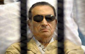Mubarak sale de la cárcel