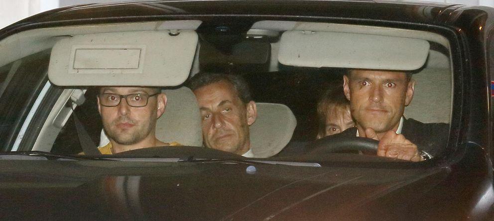 Foto: Nicolas Sarkozy a su salida de los juzgados (Reuters)