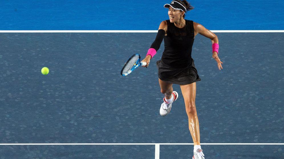 Foto: Garbiñe, en el reciente torneo de Hong Kong. (EFE)