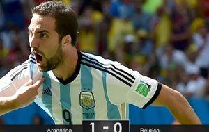 El 'impermeable' Higuaín devuelve a Argentina a unas semifinales