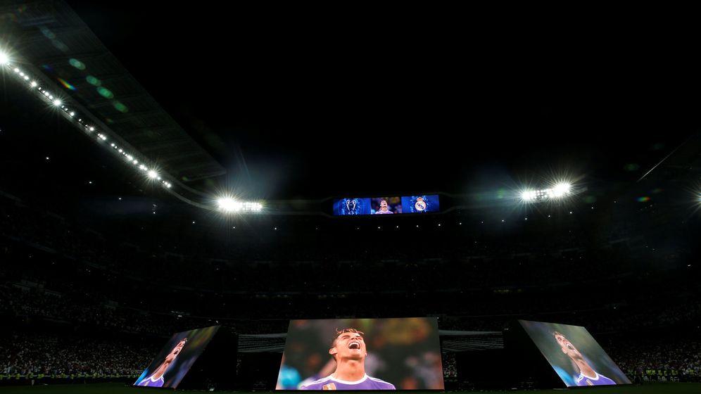 Foto: Pantallas gigantes en el Santiago Bernabéu para ver la final de la Champions ante la Juventus | Reuters