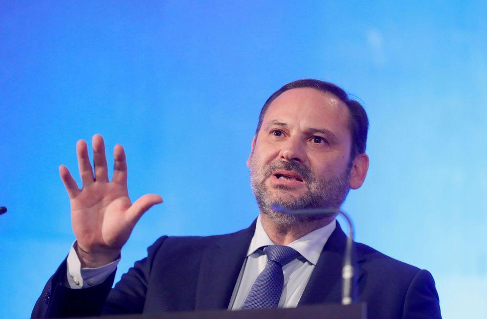 Foto: José Luis Ábalos, ministro de Fomento y secretario de Organización del PSOE, este 10 de septiembre en Madrid. (EFE)