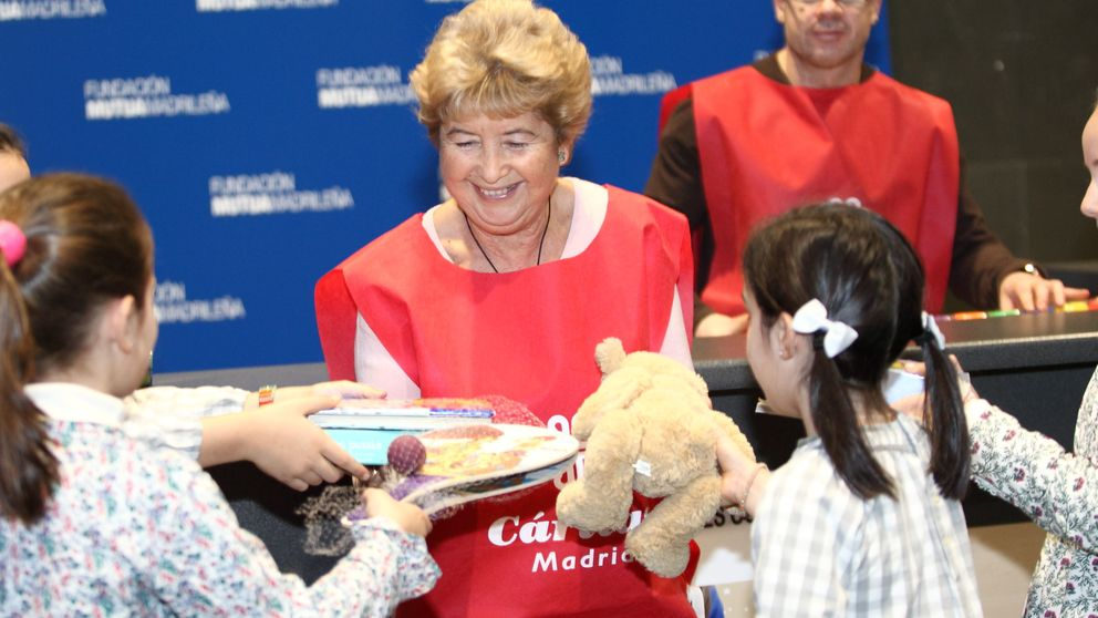 Mutua Madrileña recoge más de 1.000 regalos para Cáritas