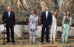 Casa Real se pone firme con los medios: imprescindible vestir atuendo apropiado