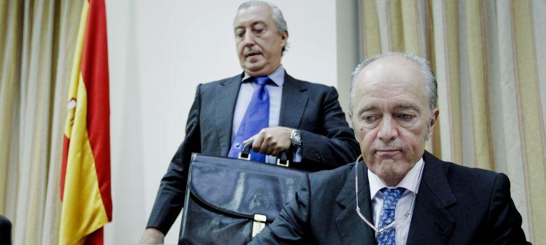 Foto: Adif y Renfe explican en el Congreso el accidente de tren de Santiago. (EFE)