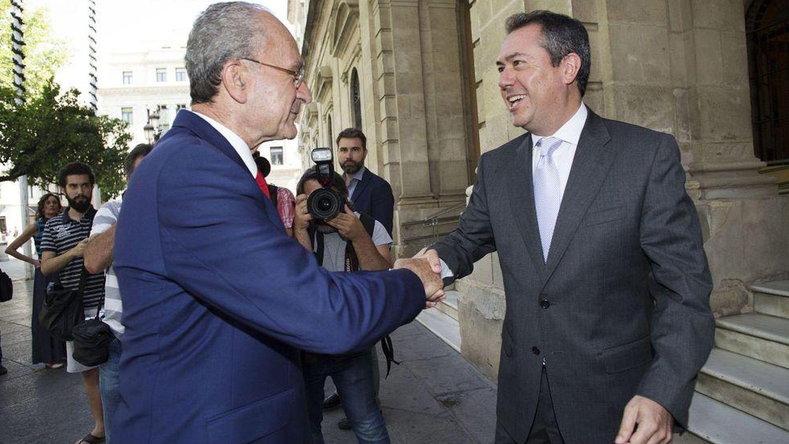Foto: Francisco de la Torre y Juan Espadas, este miércoles en Sevilla. (EFE)
