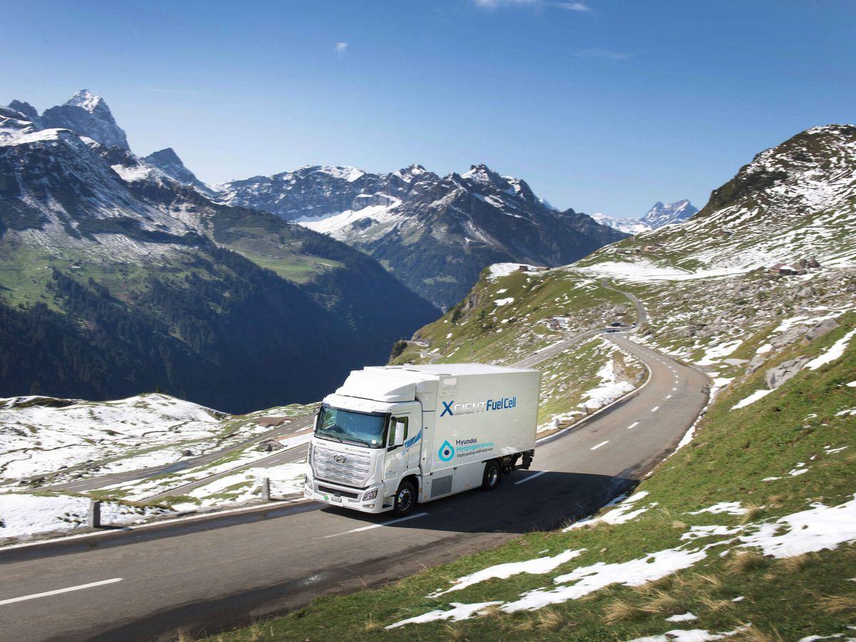 Foto: Para 2025, el objetivo de Hyundai es tener 1.600 camiones de hidrógeno circulando por Suiza.
