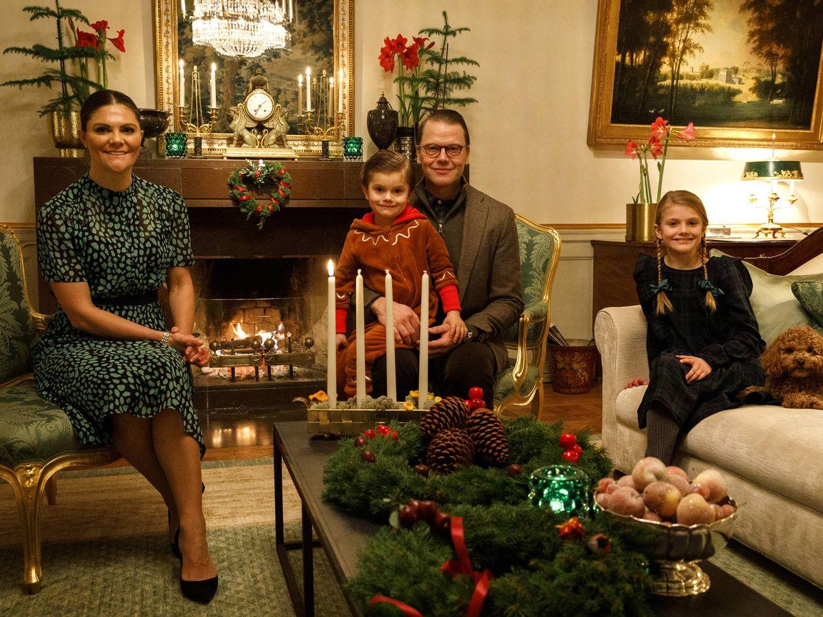 Foto: La princesa Victoria y su familia, en el primer domingo de Adviento. (Casa Real de Suecia)