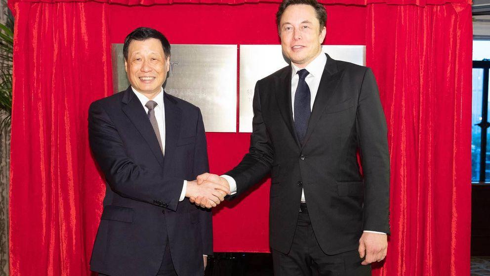 Tesla elige China para fabricar fuera de EEUU y entrar en el mayor mercado mundial