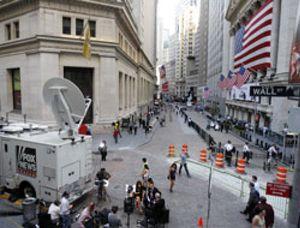 Bernanke no convence en Wall Street, que despide la sesión en rojo
