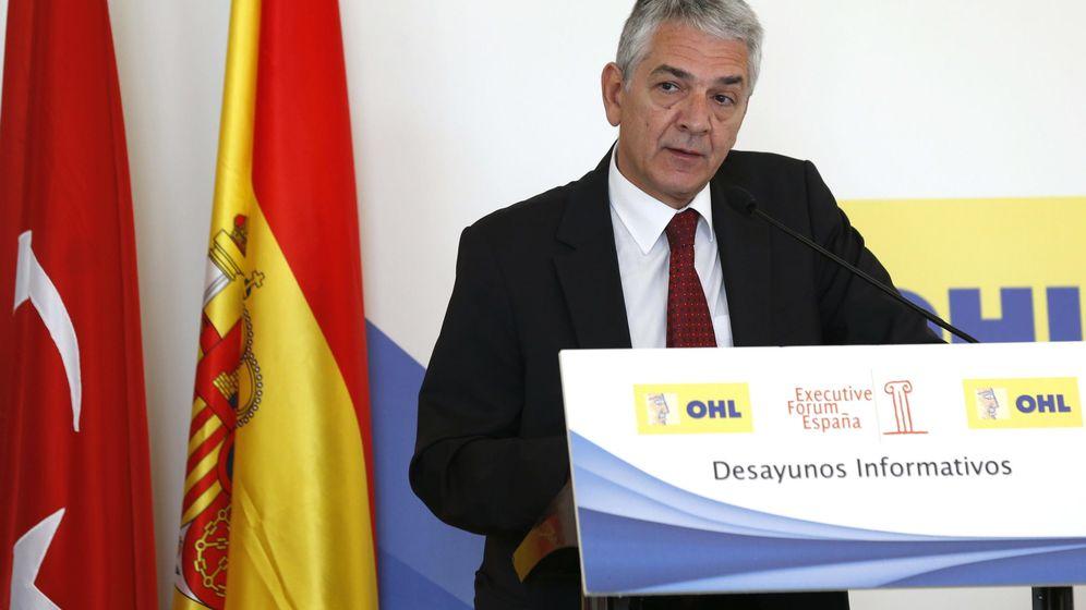 Foto: El embajador de Turquía en España, Ömer Önhon, durante su intervención hoy en un desayuno informativo de Fórum España. (EFE)