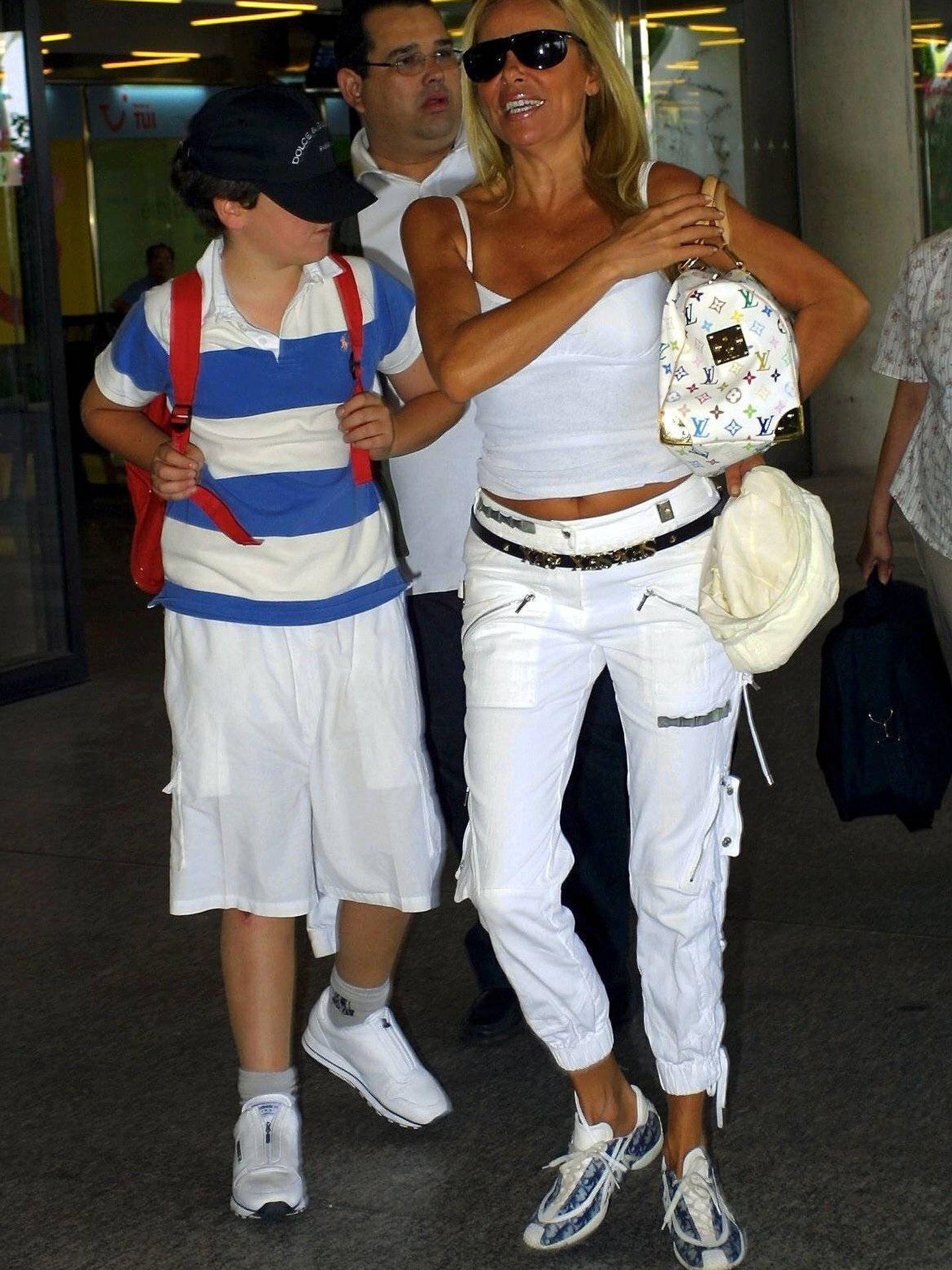 La pareja, en el aeropuerto balear. (Cordon Press)