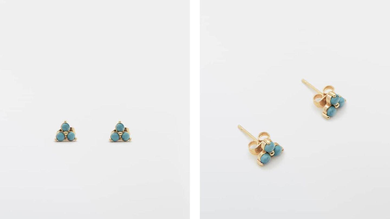 Pendientes con baño de oro y turquesas de Massimo Dutti. (Cortesía)