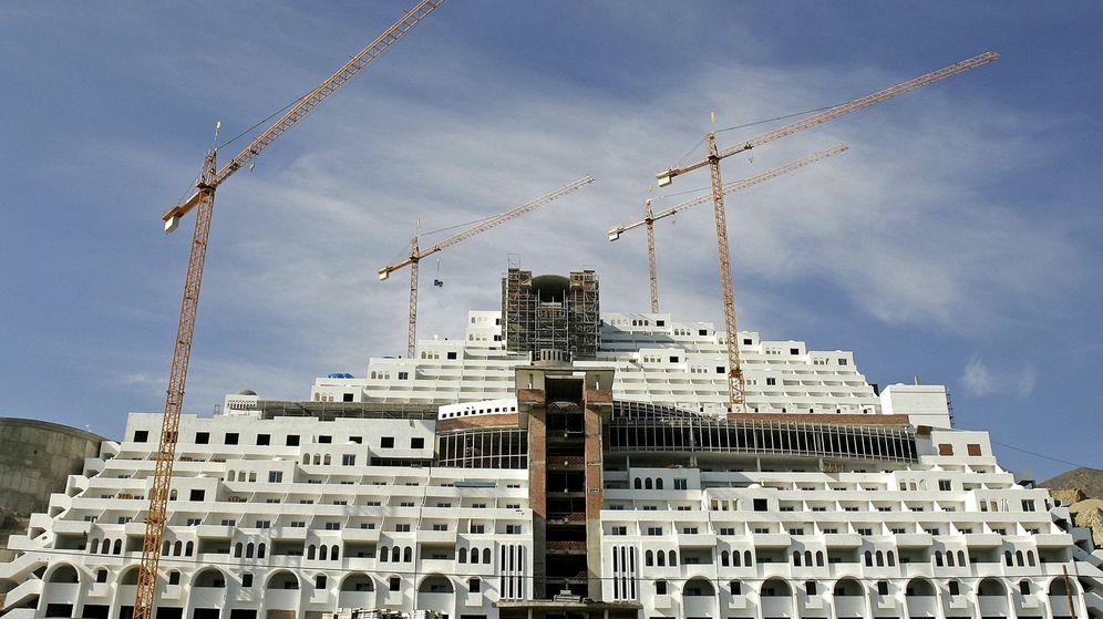 Foto: Fotografía de archivo del hotel Algarrobico, el cual, según una sentencia del Tribunal Supremo, se edificó sobre terreno no urbanizable. (EFE)