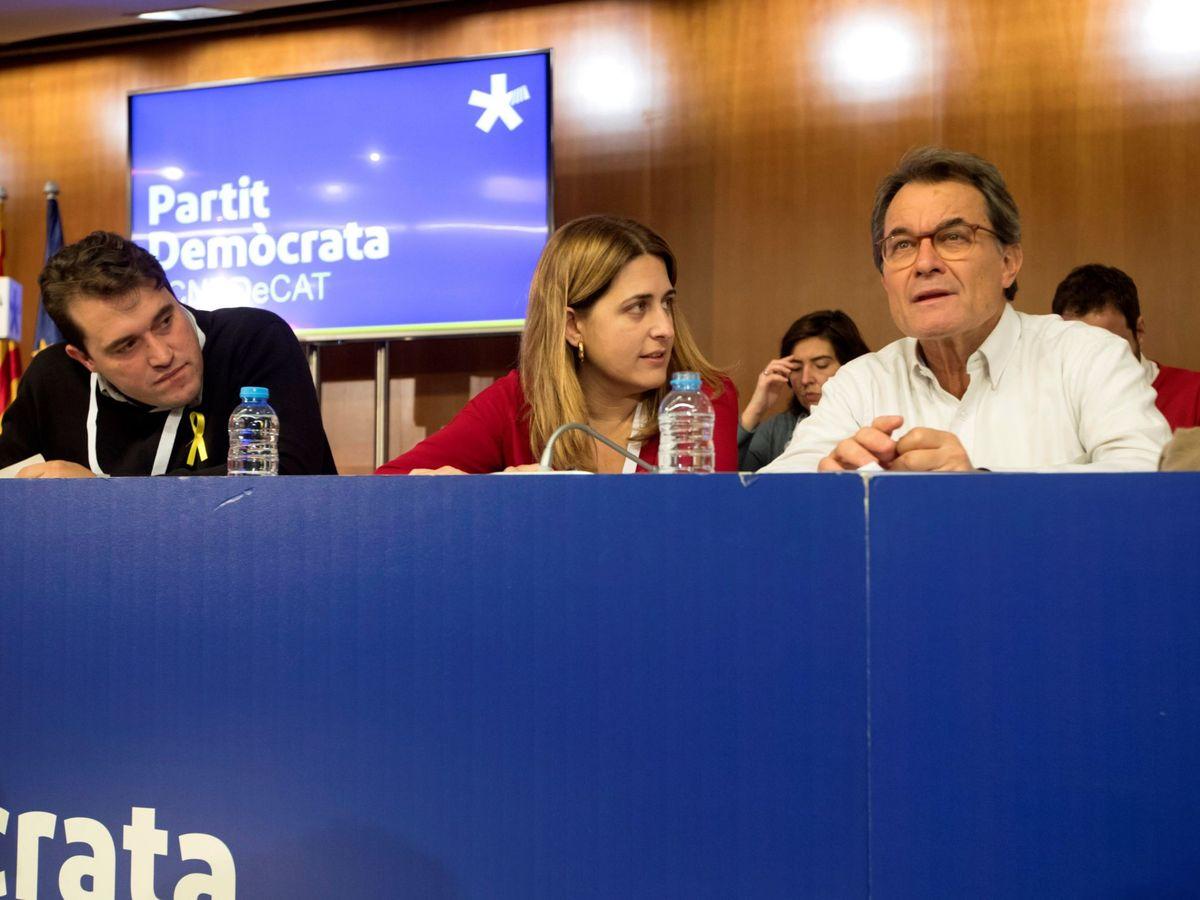 Foto: David Bonvehí, Marta Pascal y Artur Mas. (EFE)