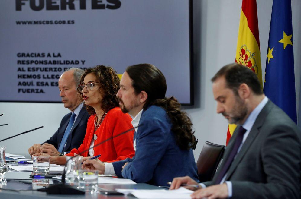 Foto: Los ministros Juan Carlos Campo, María Jesús Montero y José Luis Ábalos y el vicepresidente segundo, Pablo Iglesias, este 7 de julio en la Moncloa. (EFE)
