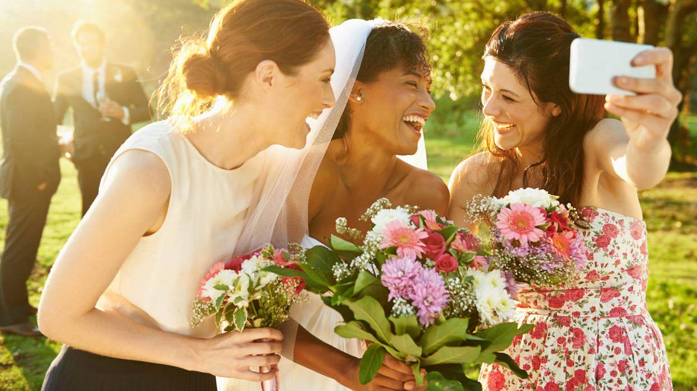 Los novios tendrán que recurrir a las fotos de los invitados (iStock)