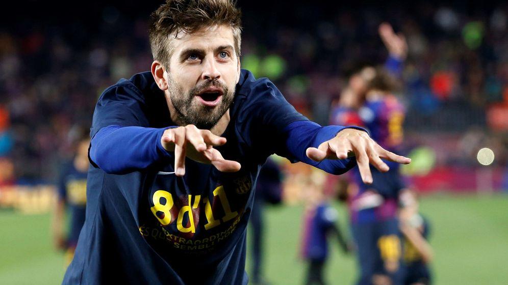 Foto: Gerard Piqué celebra el título de Liga del Barcelona. (EFE)