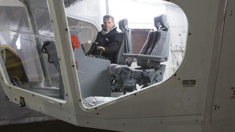 Así es la cabina desde la que se maneja el Airlander 10.
