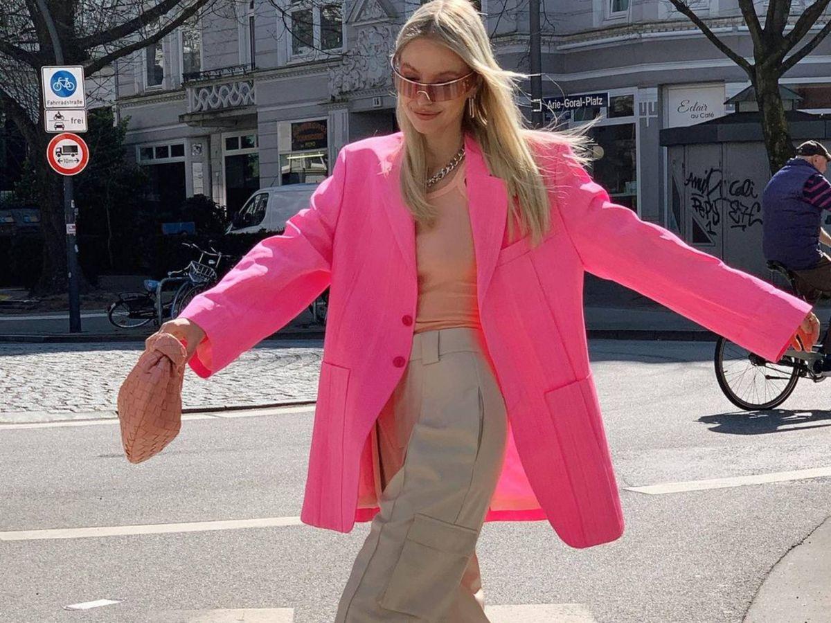 Foto: La insider Leonie Hanne, con un pantalón ancho de tiro alto. (Instagram @leoniehanne)