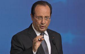 Hollande niega su boda con Julie Gayet