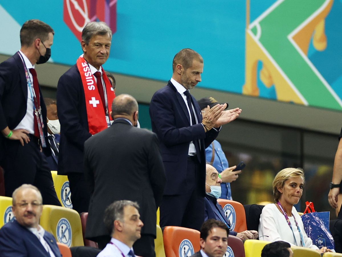 Foto: Aleksander Ceferin (d). (Reuters)