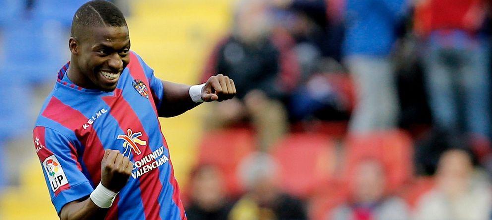 Foto: Pape Diop reclama el fin de los gritos racistas en los estadios de fútbol (EFE).