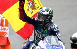 Márquez no cambia una moto de seco en mojado y Lorenzo gana