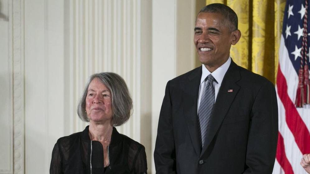 Foto: Louise Gluck junto a Barack Obama