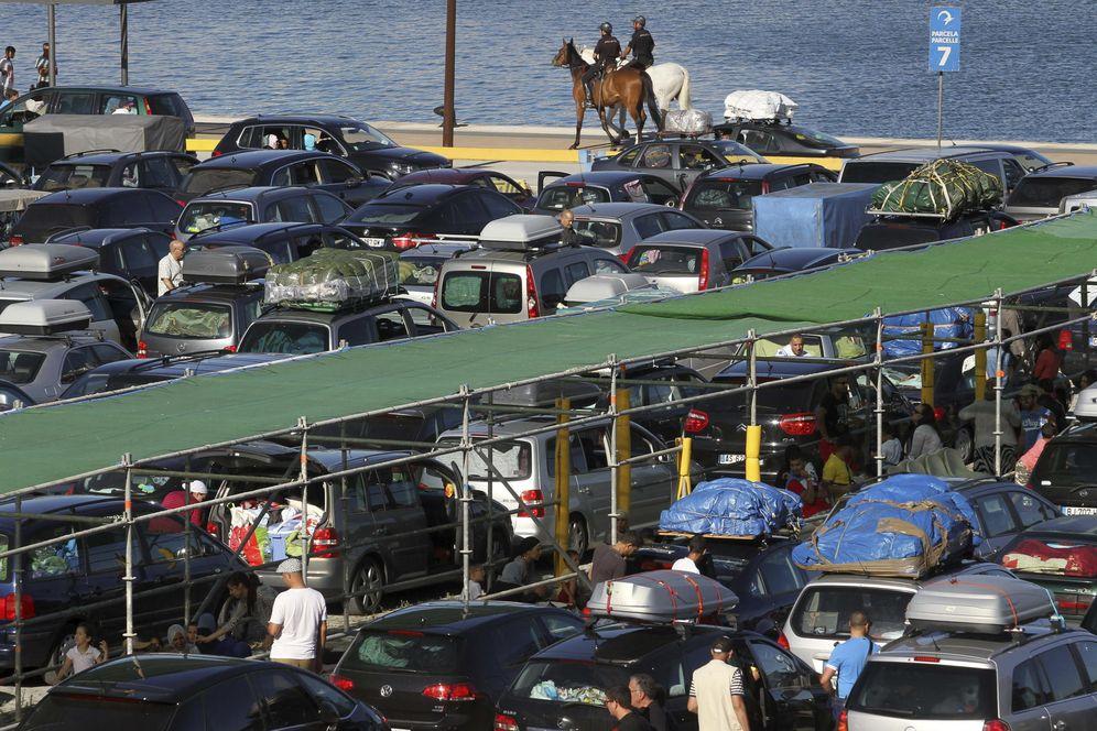 Foto: En 2016 se importaron y exportaron 2,15 millones de coches a través de los puertos españoles. (EFE)