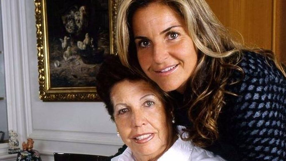 Foto: Arantxa Sánchez Vicario y su madre, Marisa. (EFE)