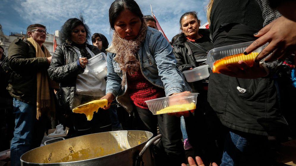 Foto: Argentinos se manifiestan contra la crisis económica. (EFE)