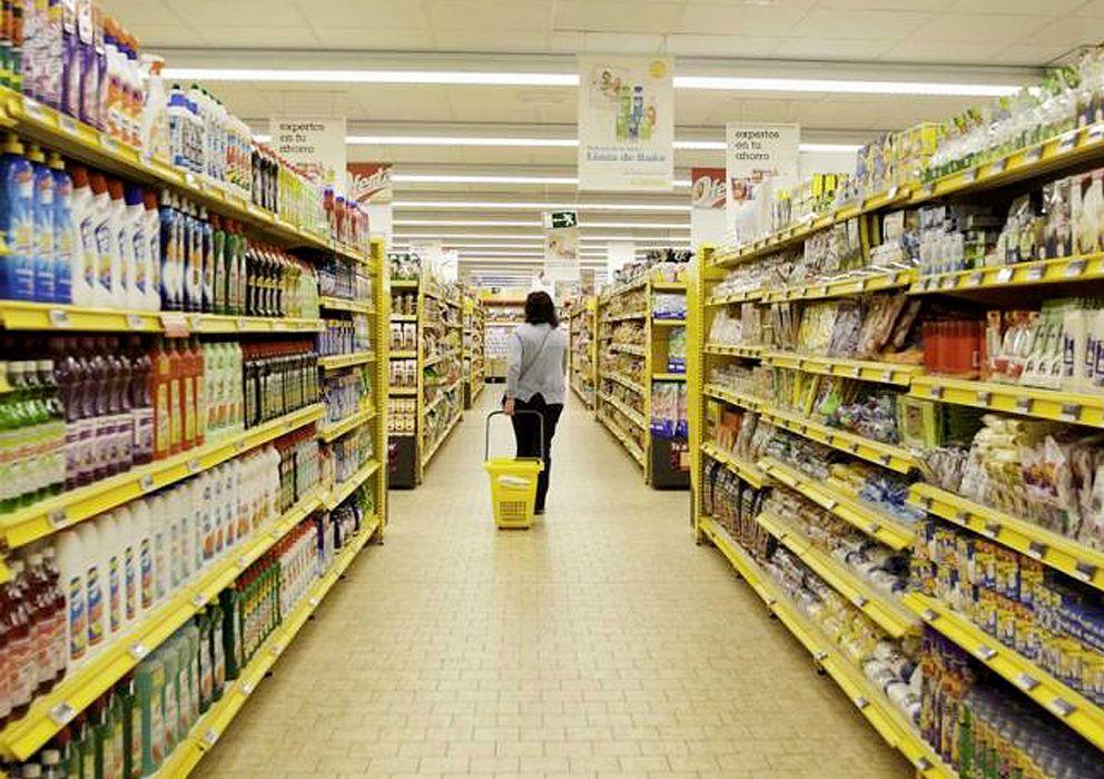 Foto: Las grandes superficies de alimentación ofertan varias decenas de marcas diferentes, aunque pertenezcan a un mismo conglomerado. (EFE)