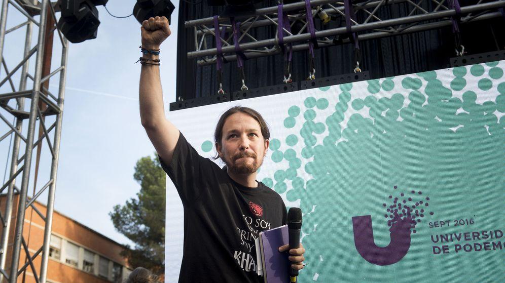 Foto: El líder de Podemos, Pablo Iglesias, durante la clausura este domingo de la Universidad del partido en la Universidad Complutense de Madrid. (Efe)