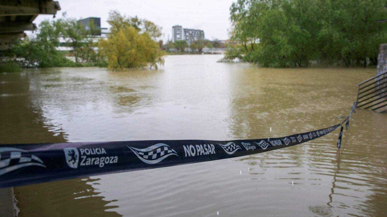 Vista del río Ebro a su paso por Zaragoza. (EFE)
