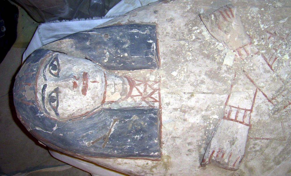 Foto: Sarcófago que perteneció a Maai, un escriba del reinado de Ramsés I. (EFE)