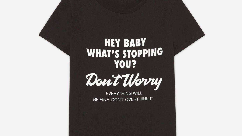 Camiseta negra. (Cortesía)